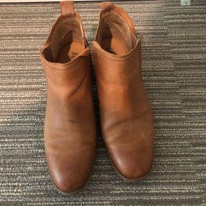 Korks Tea Leather Ankle Booties